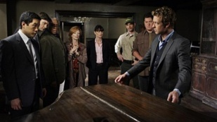 The Mentalist 02x05 : Red Scare- Seriesaddict